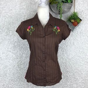 Lilu Embroidered Button Up Top | L